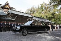 伊勢神宮の内宮を参拝された皇后さま=三重県伊勢市で2019年4月18日午後2時34分、兵藤公治撮影