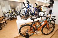 初心者向けから上級者用まで各種自転車が並ぶ「ジャイアントストア南紀白浜」=和歌山県白浜町で、藤田宰司撮影