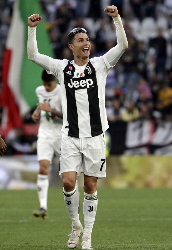 Soccer Ronaldo Becomes First Player To Win Europe S Top 3 Leagues The Mainichi