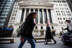 米国にも「日本化」が波及するのか(Bloomberg)