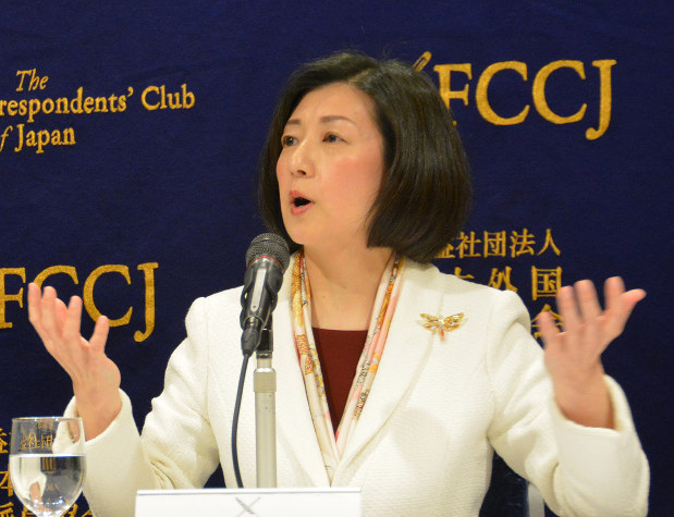 再建に向け中国との関係を強化する大塚家具の大塚久美子社長