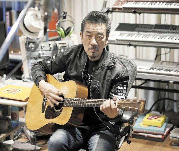 創作の原点:ミュージシャン・宇崎竜童さん 一日中聴き入った ...