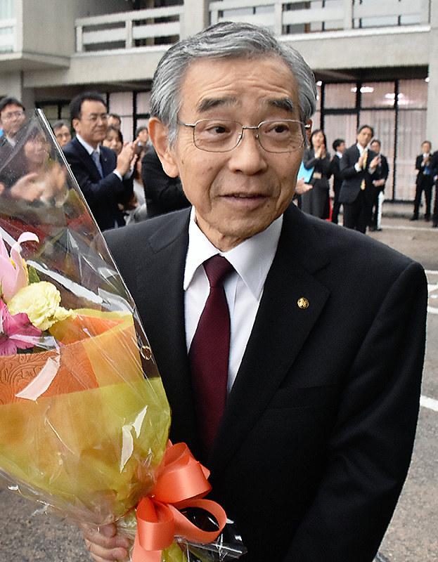 溝口知事:財源確保、成果を強調 県政振り返る 退任会見 /島根 - 毎日新聞
