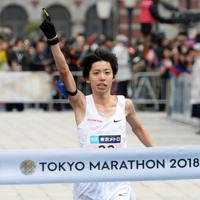 2018年の東京マラソンで16年ぶりに日本新記録を更新した設楽悠太=東京都千代田区で2018年2月25日、渡部直樹撮影