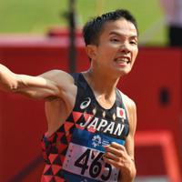 2018年のジャカルタ・アジア大会で優勝し、拳を握り締める井上大仁=ジャカルタのブンカルノ競技場で2018年8月25日、徳野仁子撮影