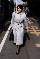 Masako Owada heads to work at the Ministry of Foreign Affairs from her home in Tokyo's Meguro Ward in April 1988. (Mainichi)
