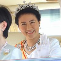 「朝見の儀」のため、皇居に車で入られる新皇后雅子さま=皇居・半蔵門で2019年5月1日午前10時48分、宮武祐希撮影