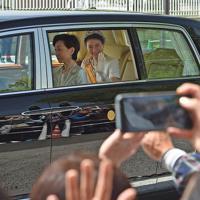 赤坂御所から皇居に向かわれる新皇后雅子さま=東京都港区で2019年5月1日午前10時43分、丸山博撮影