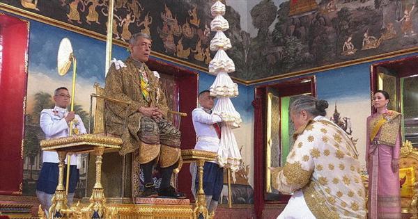 タイで69年ぶり戴冠式 国王宣誓「正義をもって統治」
