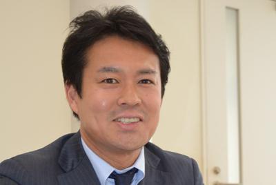 学生の就職活動について話す田中研之輔教授=東京都千代田区の法政大で