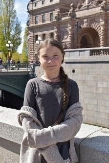 Climate activist Greta Thunberg is seen outside the Swedish parliament in Stockholm, on May 17, 2019. (Mainichi/Kosuke Hatta)