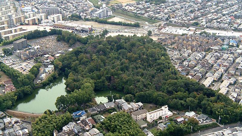 【京都】向日市、古墳買い上げへ 邪馬台国時代の築造、観光資源に 「卑弥呼の時代の古墳とみられ全容を解明した上、観光資源」 ->画像>10枚