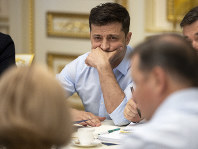 Ukrainian president Volodymyr Zelenskiy attends a meeting with the lawmakers in Kiev, Ukraine, on May 21, 2019. (Ukrainian Presidential Press Office via AP)