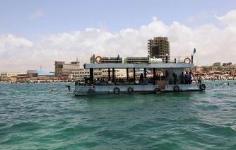 世界の雑記帳:ソマリアの水上レ...