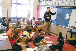いじめに対する学校の指導不足も問題だ