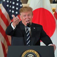 国賓として来日し、日本企業の経営者らを集めたレセプションであいさつするトランプ米大統領=東京都港区の米国大使公邸で2019年5月25日午後6時19分、手塚耕一郎撮影