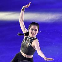 演技を披露する宮原知子=千葉市美浜区で2019年5月24日、竹内紀臣撮影