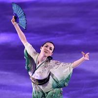 演技を披露する荒川静香=千葉市美浜区で2019年5月24日、竹内紀臣撮影