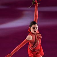 アイスショーで演技を披露するエフゲニア・メドベージェワ=千葉市美浜区で2019年5月24日、竹内紀臣撮影