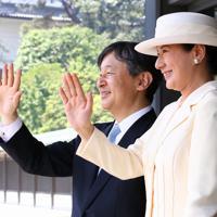 トランプ米大統領夫妻を見送られる天皇、皇后両陛下=皇居・宮殿南車寄で2019年5月27日午前10時14分、佐々木順一撮影