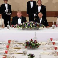 宮中晩さん会に臨まれる天皇、皇后両陛下とトランプ米大統領夫妻=皇居・宮殿「豊明殿」で2019年5月27日午後7時37分、小川昌宏撮影