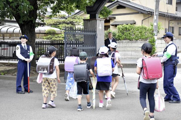 川崎殺傷:児童の登下校時、見守り強化 県警や教職員、万一に備え ...