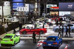 米国モーターショー。自動車業界は転換期(Bloomberg)