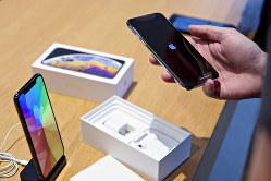 アジアにまたがるiPhoneの供給網にも打撃(Bloomberg)