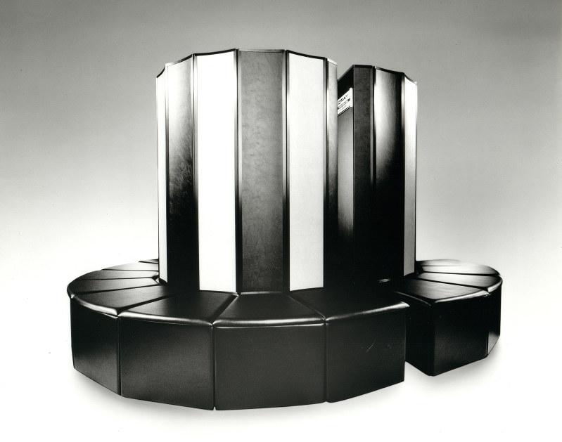クレイ社の「Cray-1」は、スーパーコンピューターの象徴として知られている(クレイ社提供)