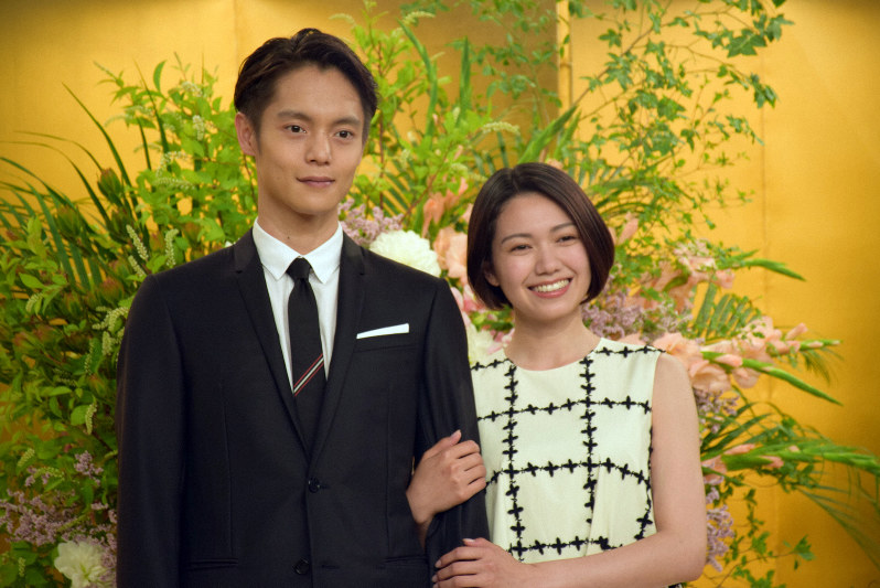 窪田 正孝 妻