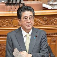 参院本会議で質問に答える安倍晋三首相=国会内で2019年6月5日午前10時25分、川田雅浩撮影