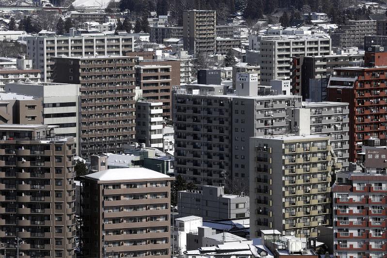 所有するマンションの相場価格をつかむことが大切だ(Bloomberg)