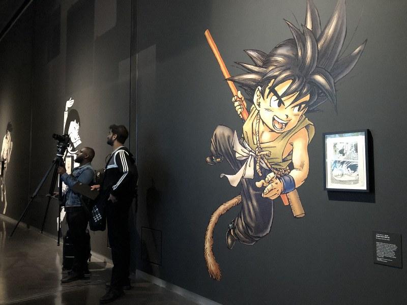 展示会場には「ドラゴンボール」シリーズなど人気漫画の巨大なイラストが並んだ=5月21日、三沢耕平撮影