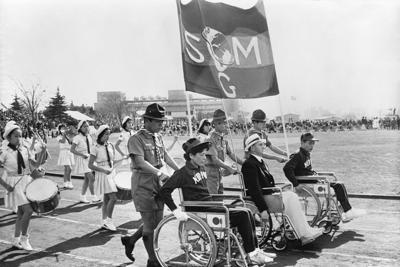 1964年大会の様子を記録し、長く行方が分からなかった映画「東京パラリンピック 愛と栄光の祭典」の一シーン(KADOKAWA提供)