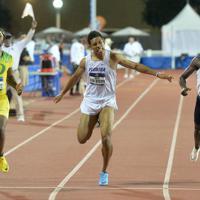 陸上の全米大学選手権男子200メートル決勝で、日本歴代2位の20秒08をマークしたサニブラウン・ハキーム(中央)=米テキサス州オースティンで2019年6月7日、隅俊之撮影