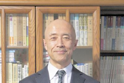 弁護士の菊地幸夫さん