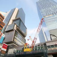 再開発が進む渋谷駅東口付近=東京都渋谷区で2019年6月、玉城達郎撮影
