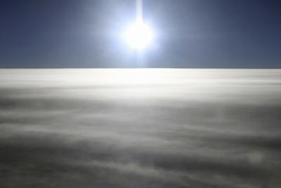 夏至前のこの1週間が最も日の出が早くなる(本社機「希望」から)