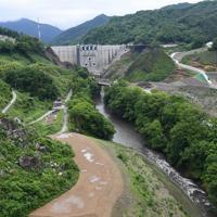 本体工事がほぼ完了した八ッ場ダム=群馬県長野原町で2019年6月12日午前9時15分、藤井太郎撮影