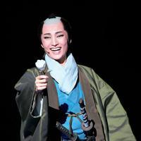故郷を思いながら、新選組に入隊した吉村貫一郎を熱演する望海風斗