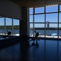 海の森水上競技場の施設の一つ「フィニッシュタワー」内部にあるトレーニングルーム=東京湾岸で2019年6月16日午前11時9分、北山夏帆撮影