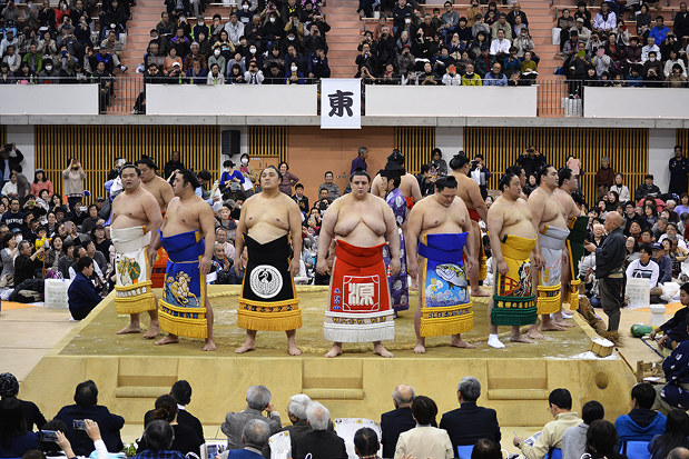 大相撲:力士の雄姿、姫路場所で見よう 巡業、きょうチケット発売 ...