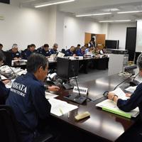 新潟県庁では、19日午前0時から緊急の災害対策本部が開かれた=新潟市中央区で2019年6月19日午前0時9分、南茂芽育撮影