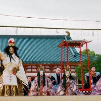 井上裕久「平安」=京都市左京区の平安神宮で、牛窓雅之さん撮影