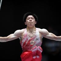 男子つり輪決勝で優勝した長野託也の演技=高崎アリーナで2019年6月23日、久保玲撮影
