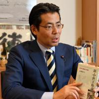 インタビューに答える、福田達夫衆院議員=東京都千代田区永田町で2019年5月29日午後4時50分、宮本明登撮影