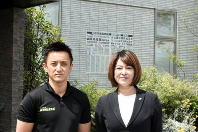 J2栃木で挑戦を続ける江藤部長(右)と橋本社長=福田智沙撮影