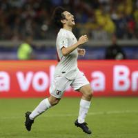 サッカー南米選手権【日本-エクアドル】前半、シュートを外し天を仰ぐ日本の中島く=ブラジル・ベロオリゾンテで2019年6月24日、AP