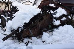 管理が行き届かないと雪の重みで空き家自体が倒壊する恐れも