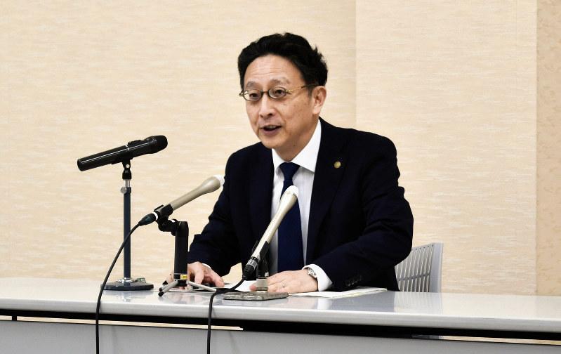 佐賀地裁・家裁:「分かりやすい裁判所へ」 所長に就任、青木氏が抱負 ...